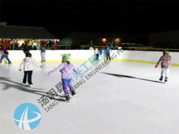 便携式陆地冰壶赛道